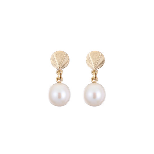 gold and pearl drop earrings, handmade in Dublin