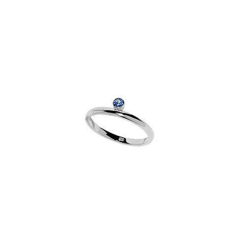 WHITE GOLD BLUE SAPPHIRE HORIZON RING