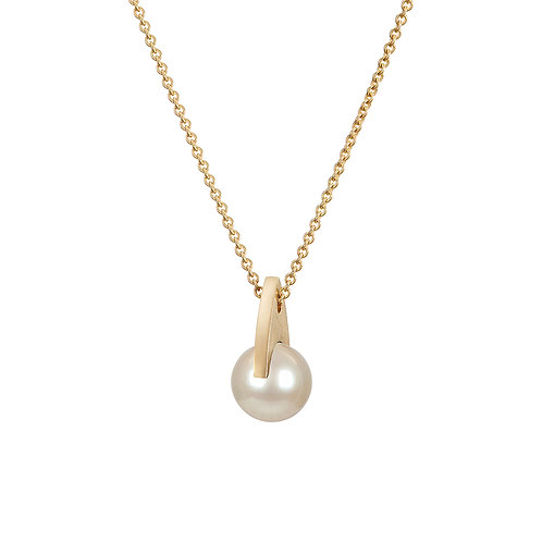 Gold and pearl necklace. Handmade in Dublin