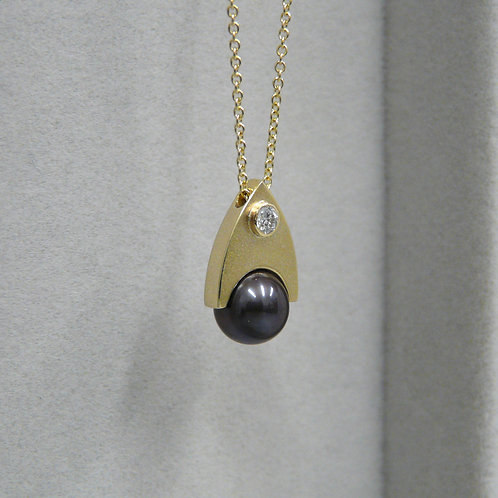 Black pearl and diamond necklace, handmade in Dublin