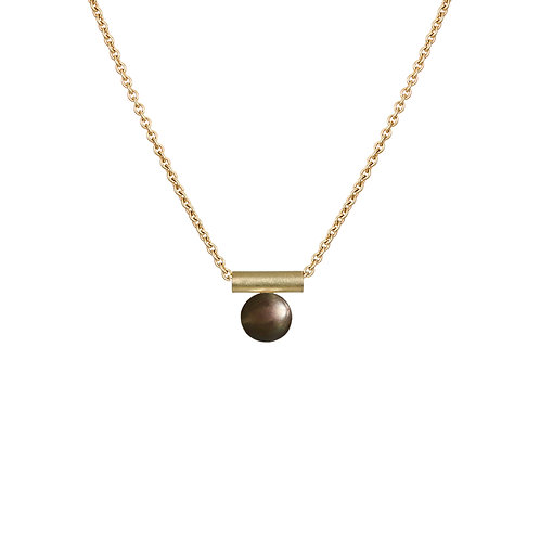Handmade gold and black pearl necklace, Dublin.