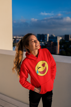 hoodie-mockup-of-a-smiling-girl-at-a-bui