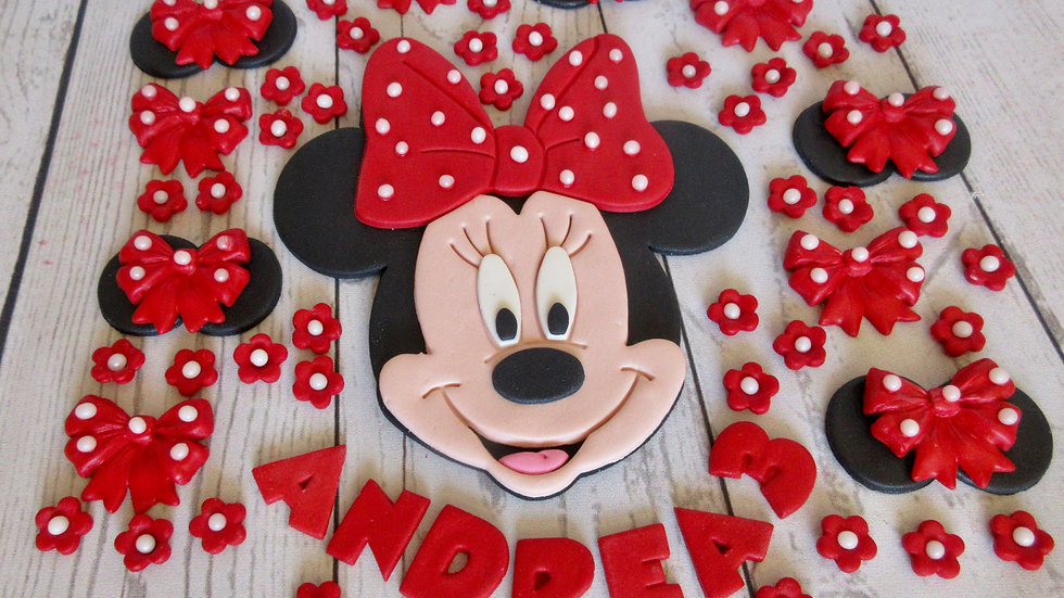 Minnie Mouse edible cake topper.