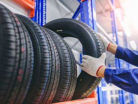 Износ протектора шины: как продлить срок службы резины и правильно оценить степень износа