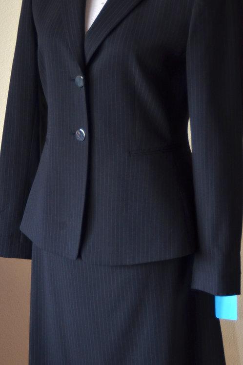 Tahari Suit, Size 4   SOLD