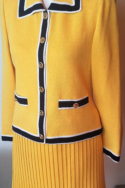 St. John Suit, Size 2    SOLD