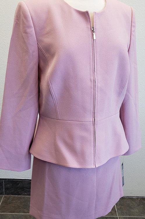Tahari Suit, NWT Size 16P    SOLD