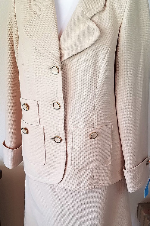Joan Rivers Knit Suit, Size M    SOLD