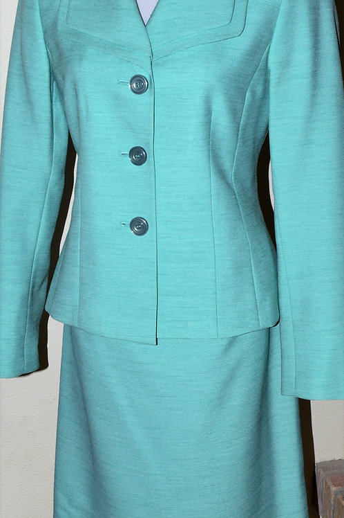 Evan Picone Suit, Size 8    SOLD