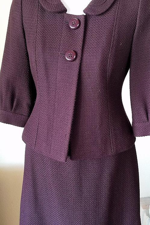 Ann Taylor Suit, Jacket Size 2P, Skirt Size 0P   SOLD