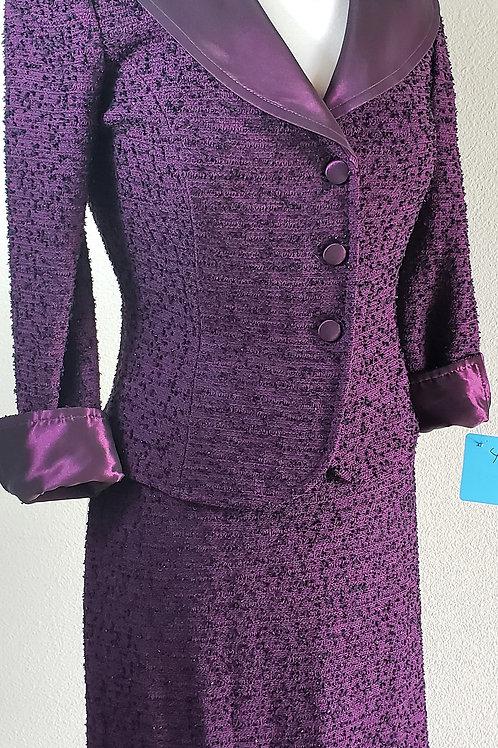 St. John Suit, Jacket Size 2, Skirt Size 4   SOLD