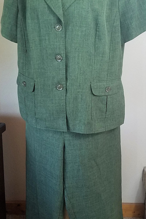 Sag Harbor Pants Suit, Size 18