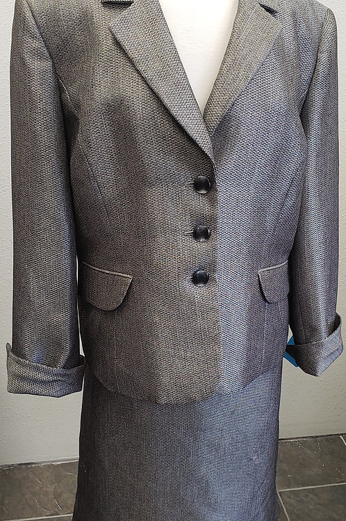 Evan Picone Suit, Size 18    SOLD