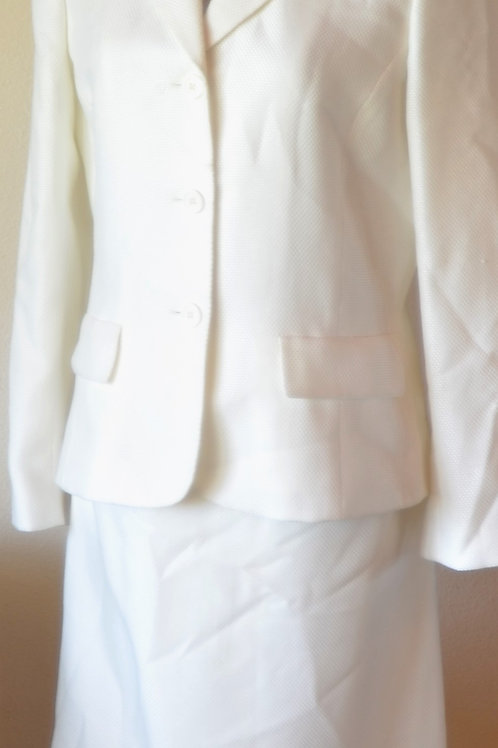 Anne Klein 2 Suit, Size 8   SOLD