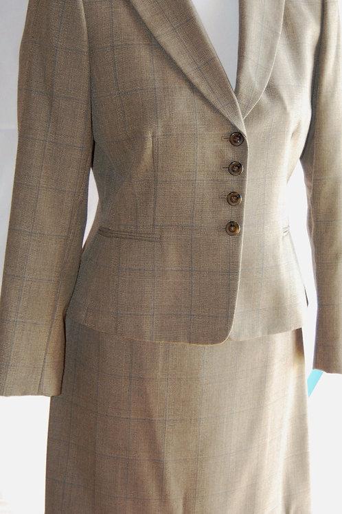 Stresa Suit, Size 4P   SOLD