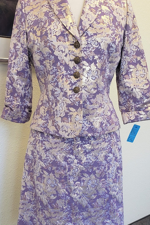 Tahari LUXE Suit, Size 6    SOLD