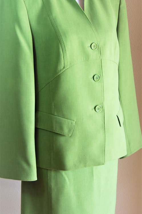 Kasper Suit, NWOT, Size 14P   SOLD