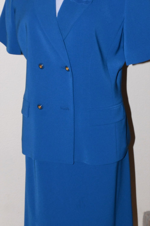 Kasper Suit, Size 10    SOLD
