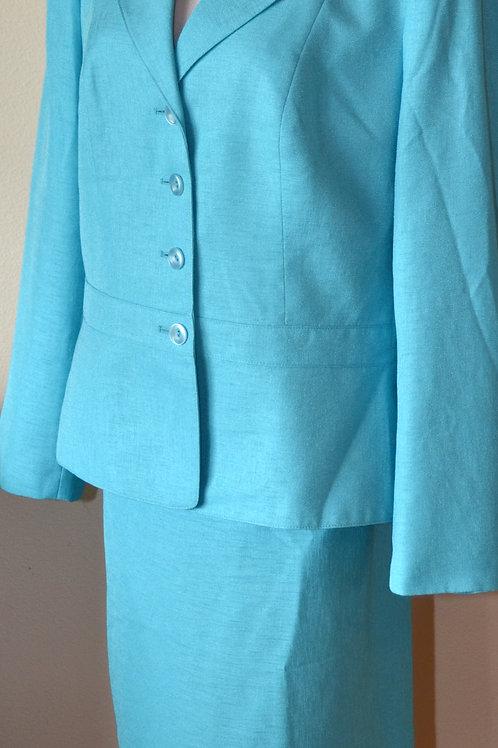 Le Suit Essentials Suit, Size 18   SOLD