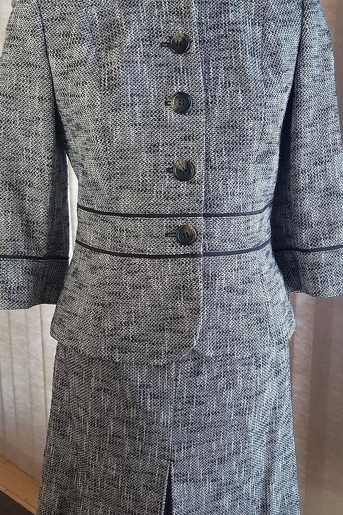 Ann Taylor Suit Jkt Sz 4P Skt Size 6P     SOLD