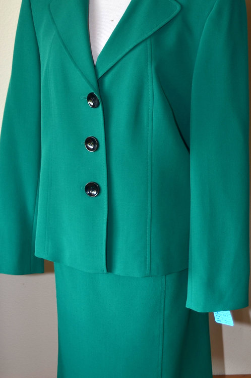 Jones Studio Suit, Size 16   SOLD