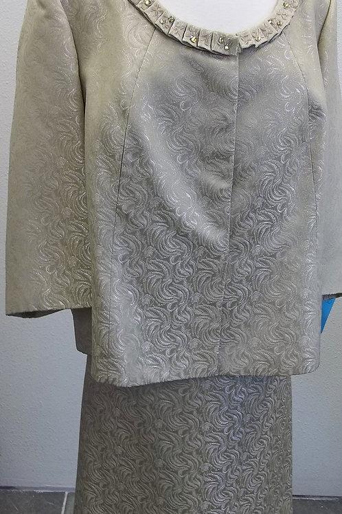 Tahari Suit, NWOT, Size 24W    SOLD