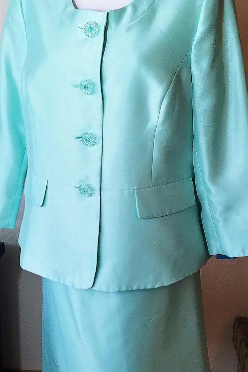 Le Suit, Suit, NWOT, Size 14    SOLD