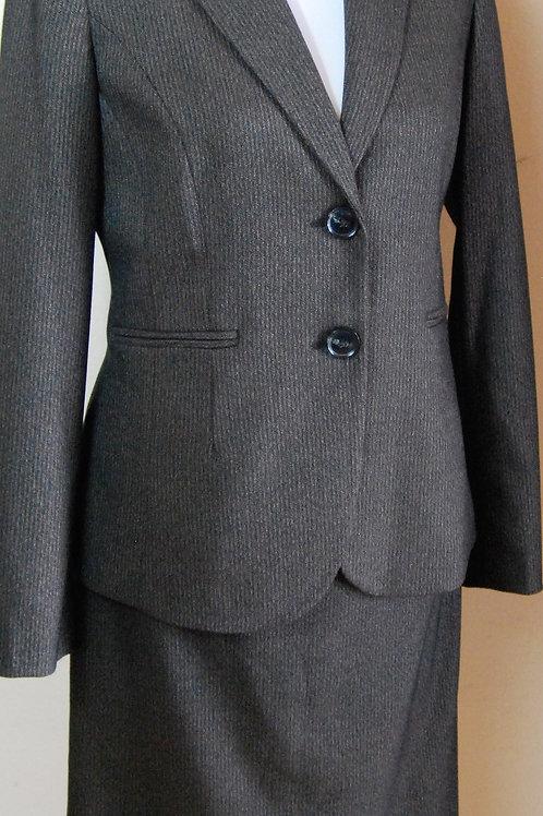 Jones New York Suit, Size 4    SOLD