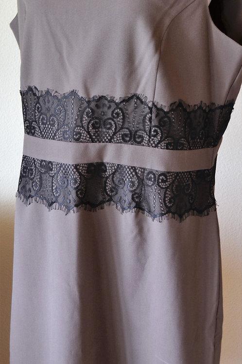ILE New York Dress, Size 16    SOLD