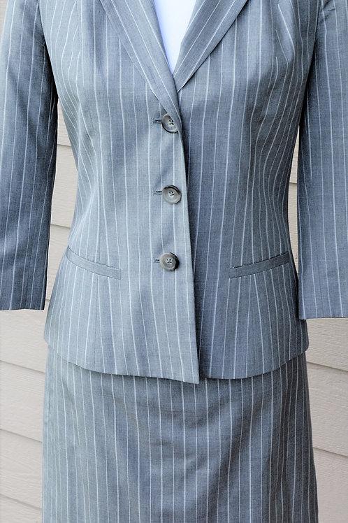 Banana Republic Suit, Size 4    SOLD