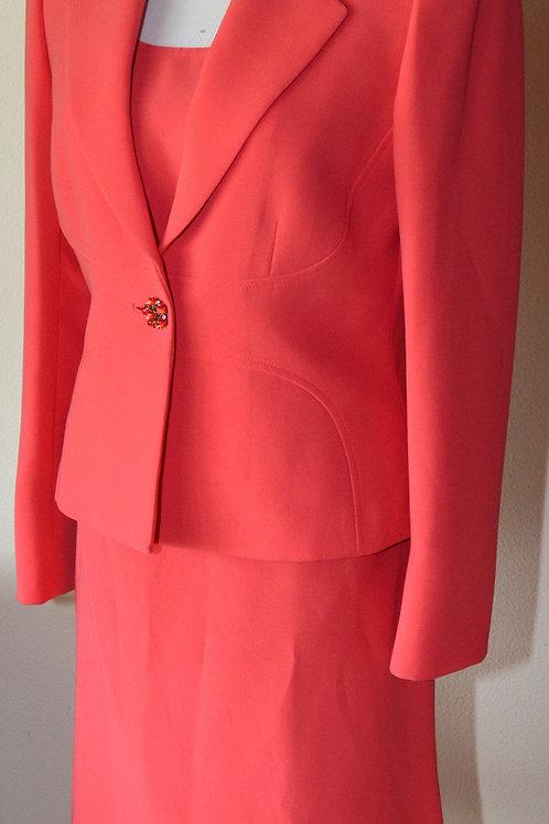 Tahari Suit, 3 pcs, Size 6    SOLD