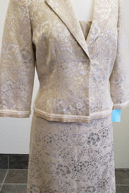 Carmen Marc Valvo 3 pc Suit, NWOT, Size 8