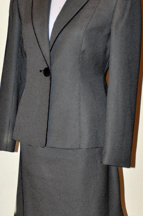 Tahari Suit, Size 6P    SOLD