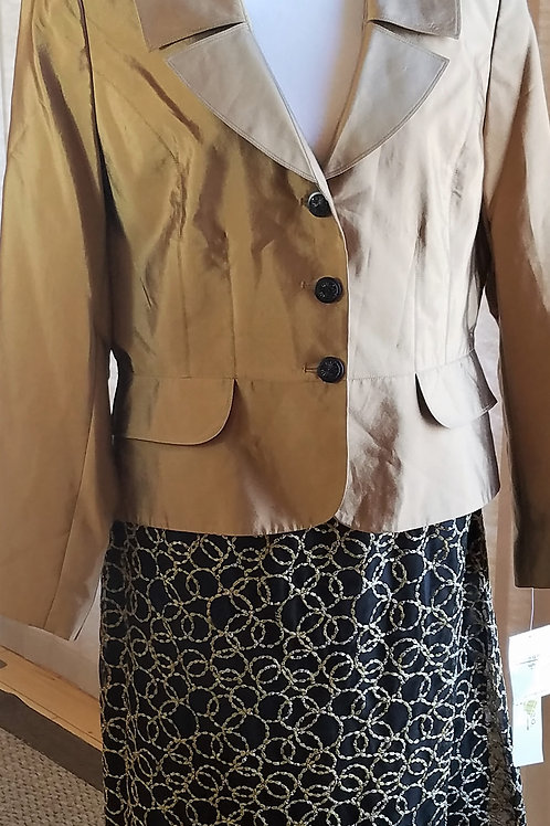 Sharagano Suit, NWT, Size 12    SOLD