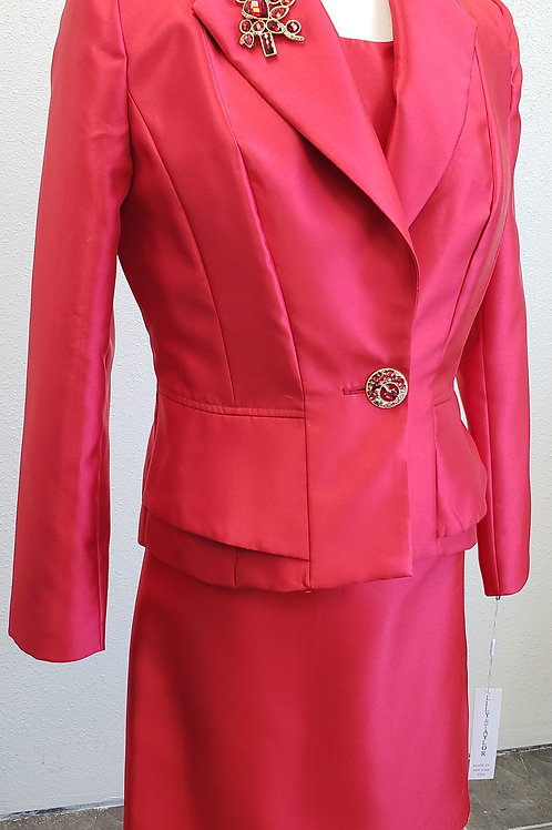 Lily & Taylor Suit, NWT, Size 8