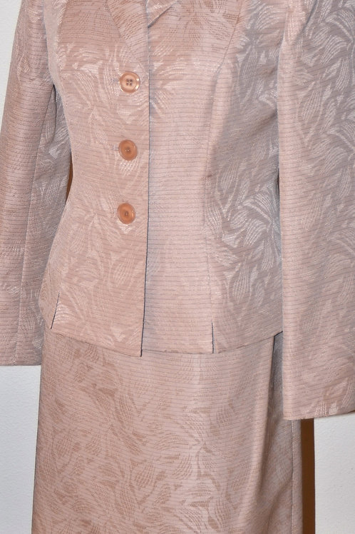 Evan Picone Suit, Size 4    SOLD