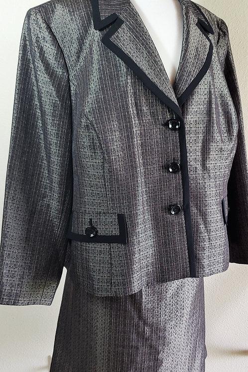 Jones Studio Suit, Size 24W    SOLD