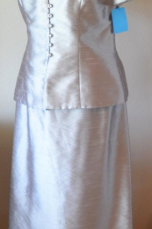 Alex Evenings Suit, Size 8   SOLD