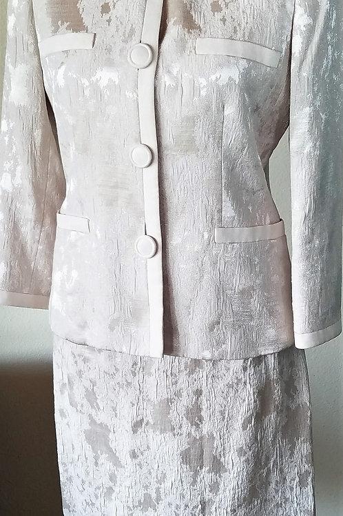 Kasper Suit, Size 4    SOLD