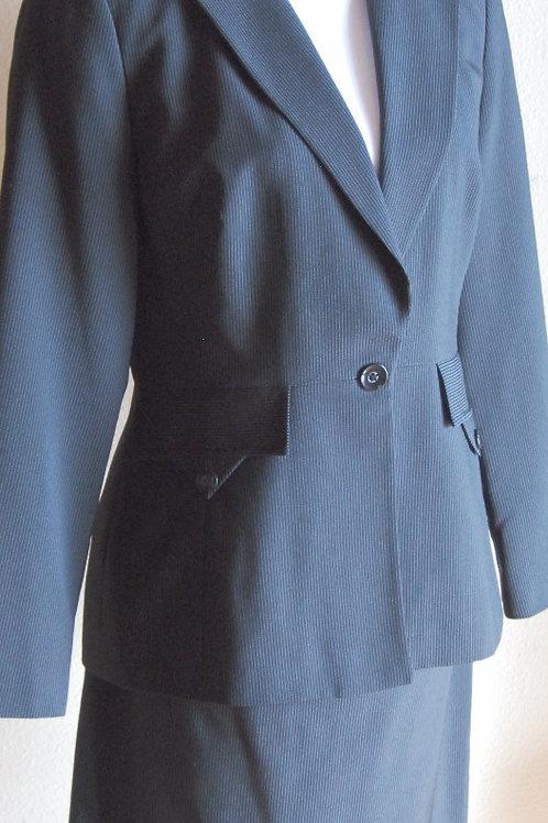 Larry Levine Classics Suit, Size 8    SOLD