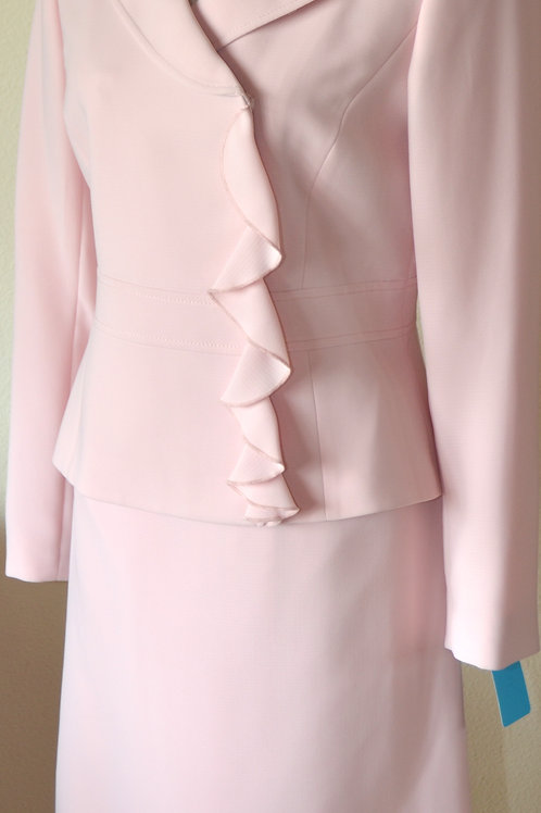 Tahari Suit, NWT, Size 4   SOLD