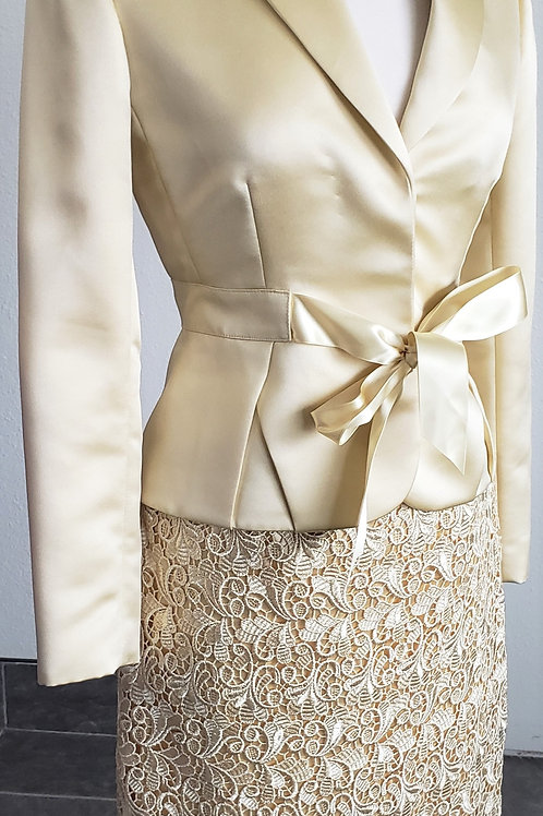Tahari LUXE Suit, Size 2    SOLD