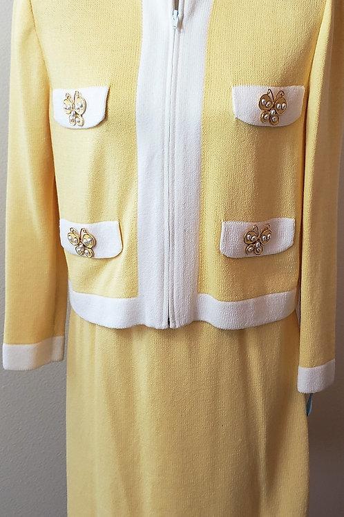 St. John Sportswear Suit, Size S-6    SOLD