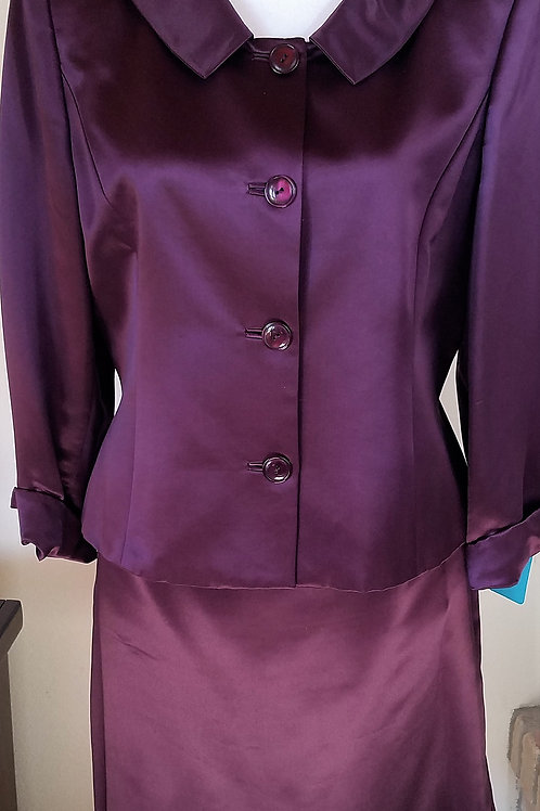 Kate Hill Suit, Size 10    SOLD