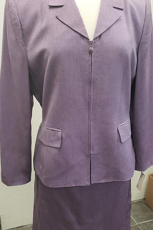 Le Suit, Suit, NWT Size 16P    SOLD
