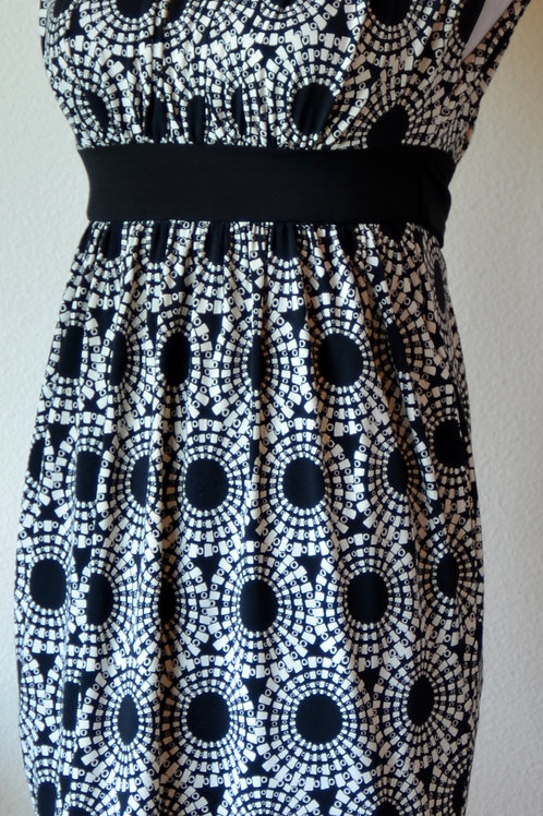 Maggy London Dress, Size 2P   SOLD