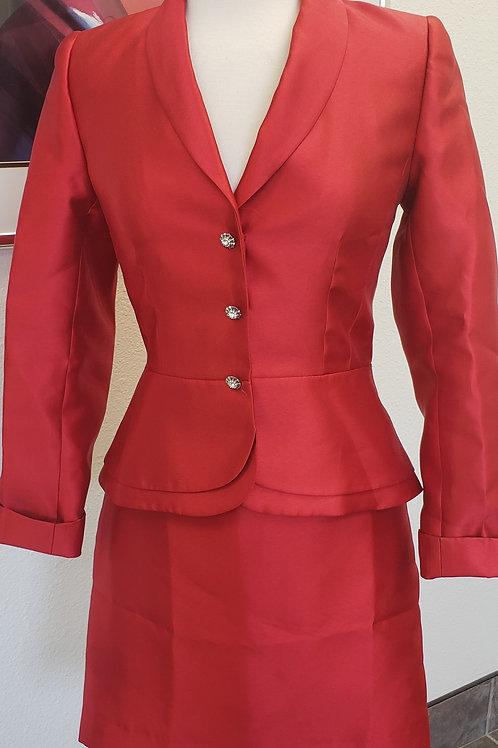 Tahari LUXE Suit, Size 4    SOLD