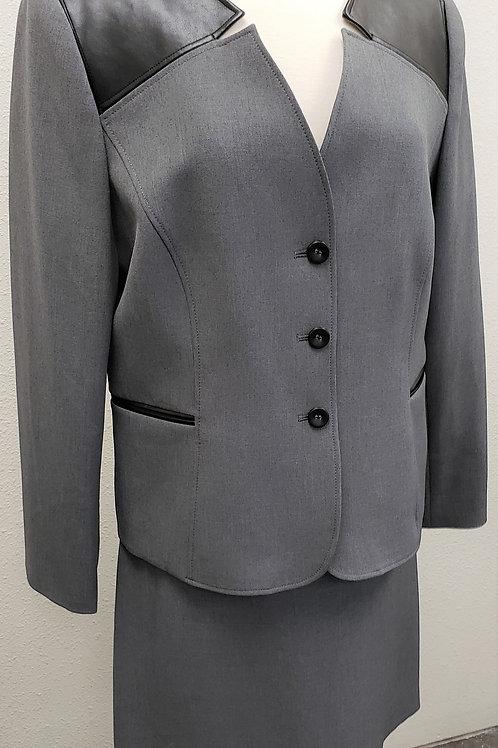 Tahari Suit, Size 16    SOLD