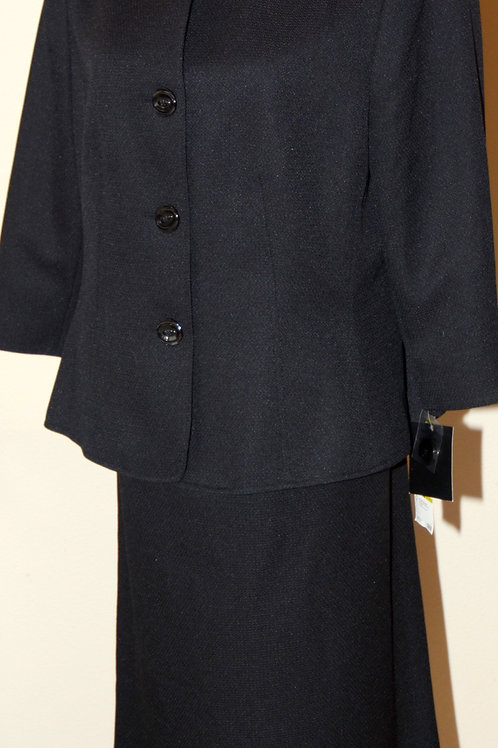 Le Suit, Suit, NWT, Size 14   SOLD