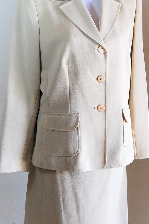 Jones Wear Suit, NWT, Size 12   SOLD